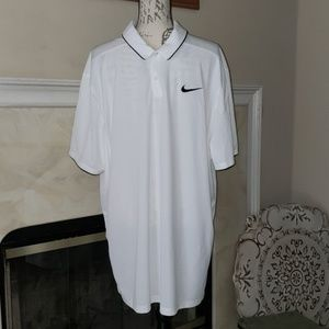 EUC♡ NIKE DRI FIT GOLF POLO